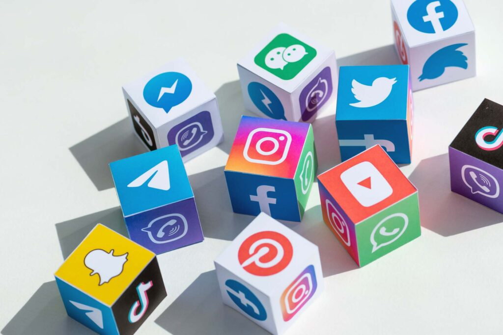 cubes with logos of social networks