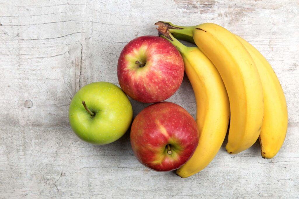 3 apples and 3 bananas